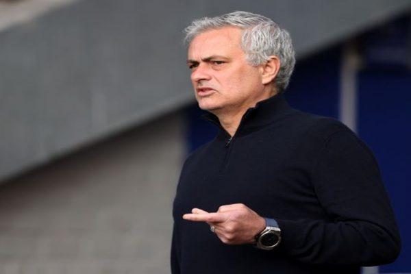 Mourinho Yakin Tottenham Bisa Finis di Posisi Empat Besar